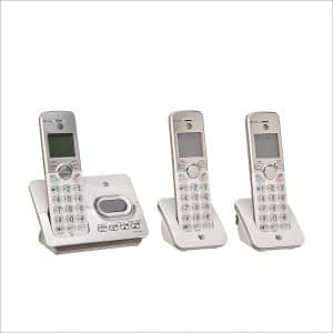 AT&T EL52303 Cordless Answering System with Caller ID/Call Waiting, 3 Handset