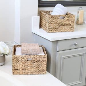 Seville Classics Hand-Woven Hyacinth Laundry Basket