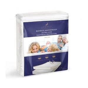 LUNAVY Twin Size Easy Care Mattress Protector