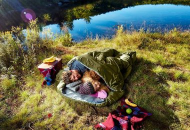 Double Sleeping Bag with 2 Pillows