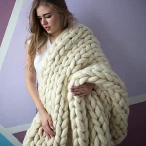 VIYEAR Chunky Knit Soft Handmade Blanket